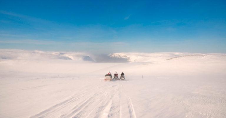 Snøscootersafari i Finnmark
